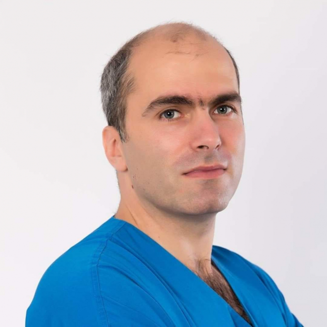 Dr. Bogdan Tănase