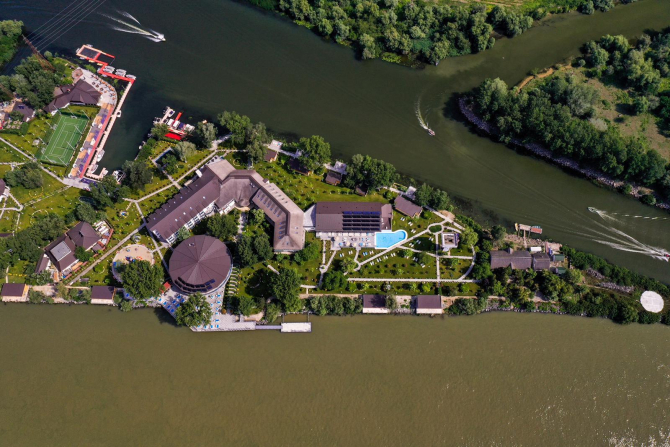 Complex Lebăda Luxury Resort & Spa