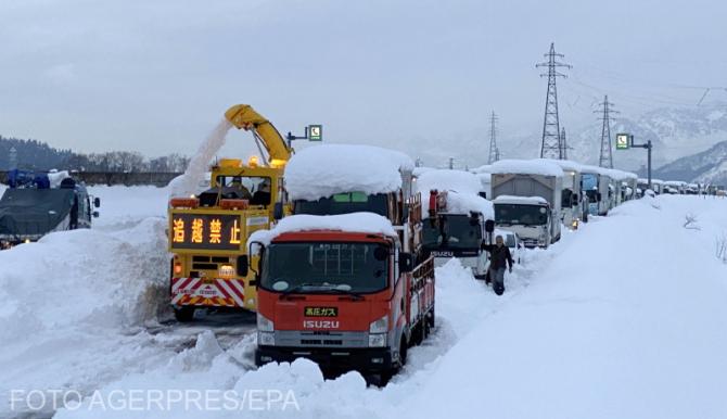 Operațiune de salvare în Japonia după ninsorile abundente.