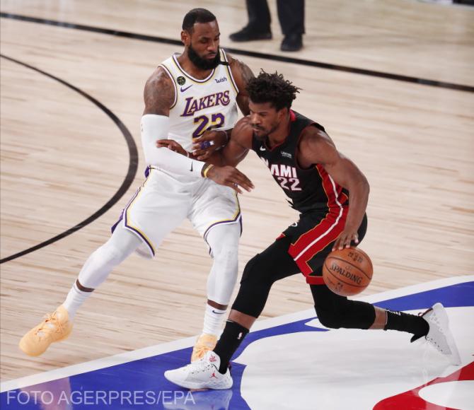 LeBron James, evoluând pentru L.A. Lakers