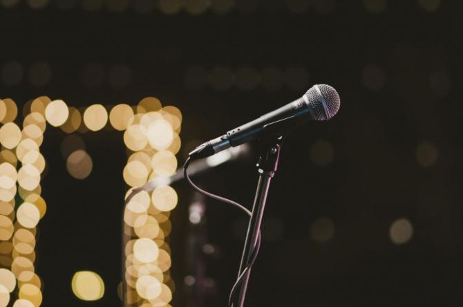 Microfon / Foto Pexels