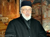Arhiepiscopul Argeșului și Muscelului se vaccinează anti-Covid-19