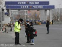 Peste 20.000 de locuitori din China au fost mutați în zone carantinate.