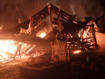 Incendiu la biserica de lemn din satul Brodina de Sus / Foto ISU Suceava
