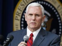 Învestire Biden. Vicepreşedintele Mike Pence i-a lăsat un mesaj scris succesoarei sale, Kamala Harris