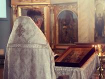 Preot acuzat de o enoriașă că nu participă la însoțirea alaiului mortuar / Foto ilustrativ Pixabay