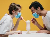 Precizari despre purtarea mastii dupa vaccinare