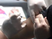 Mai mulţi profesori de la universităţile de stat vor să se vaccineze împotriva COVID-19