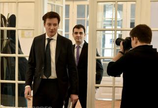 """Andrei Caramitru face PRAF Guvernul Cîţu. """"V-am votat, dar sunteţi tot vai de capul vostru"""""""