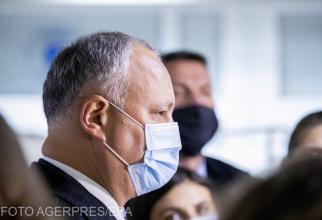 dodon insista sa aduca in moldova vaccinul rusesc sputnik v