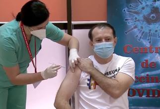 Florin Cîțu, primele declarații după ce s-a vaccinat anti-COVID