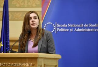 Ioana Petrescu face mişto de Cîţu. Cât rezistă Guvernul, răspuns pentru ARGUMENT
