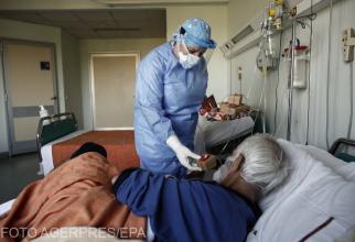 Pacienţii COVID-19 au probleme cu respiraţia, iar uneori nici nu ştiu acest lucru