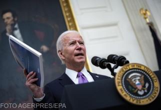Părul prins în coadă, cerceii şi codiţele împletite, de acum autorizate în armata americană sub administrația Biden