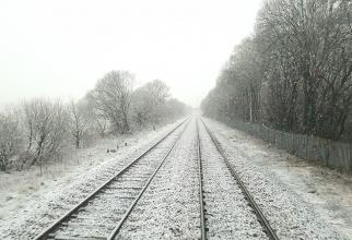 Sina de tren, deformată de frig. Sursa: pixabay