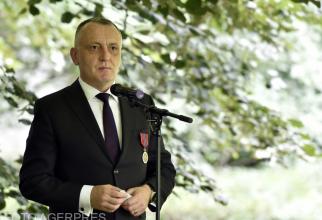 Sorin Cîmpeanu anunță primele sancțiuni din cazul profesorului din Piatra Neamț
