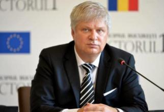 Daniel Tudorache, glumă bună despre căldura din București