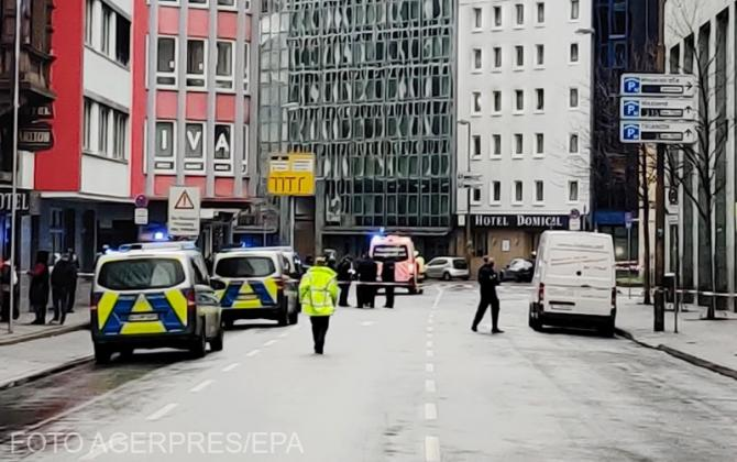 Atac cu cuțitul la Frankfurt. Mai multe persoane rănite.