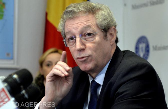 """Streinu Cercel susține că România ar putea vaccina """"din ușă în ușă""""."""