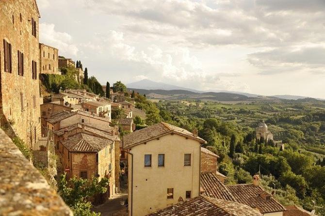 Ai 1 EURO? Îți poți cumpăra o casă în Italia. Care sunt condițiile- VIDEO din Biccari, Puglia foto pixabay ilustrativ