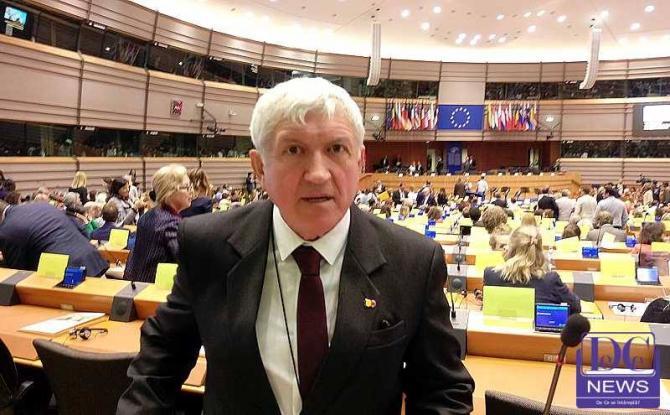 foto DCNews. Mircea Diaconu, în Parlamentul European