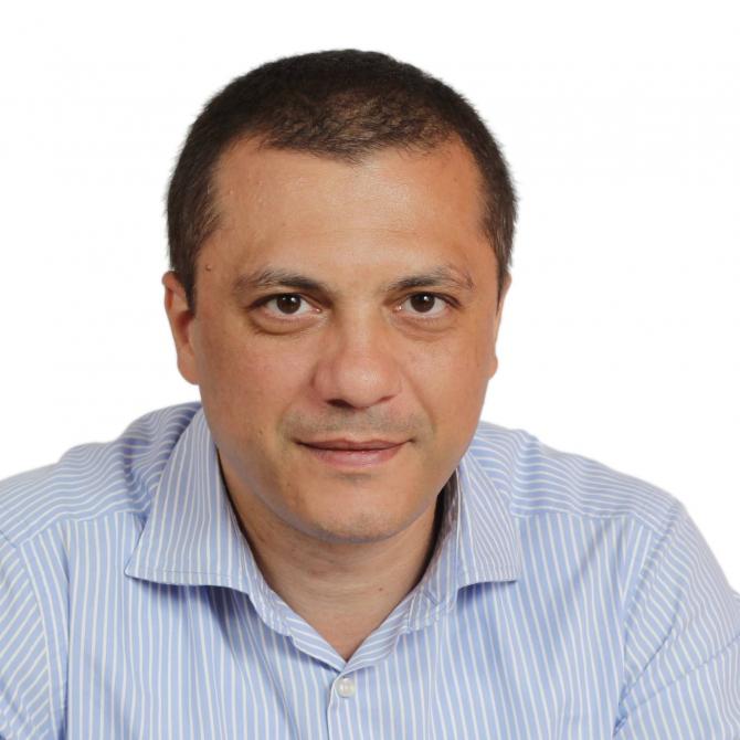 Profesorul Claudiu Corcodel își caută dreptatea