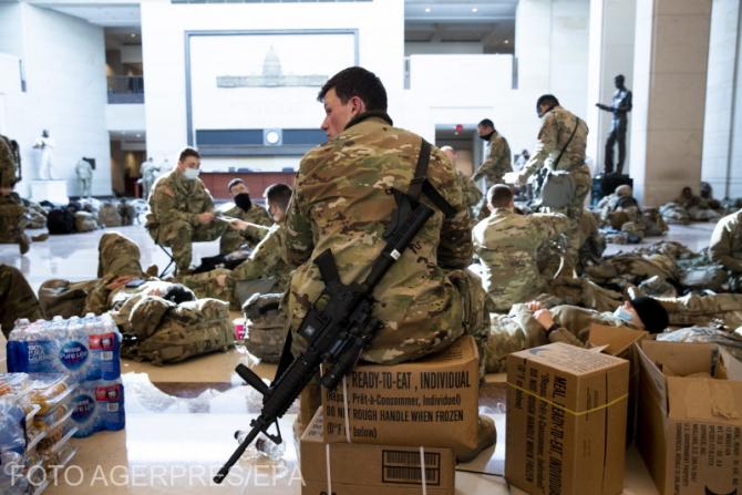 Mii de soldaţi păzesc Capitoliul SUA. Sunt posibile noi proteste