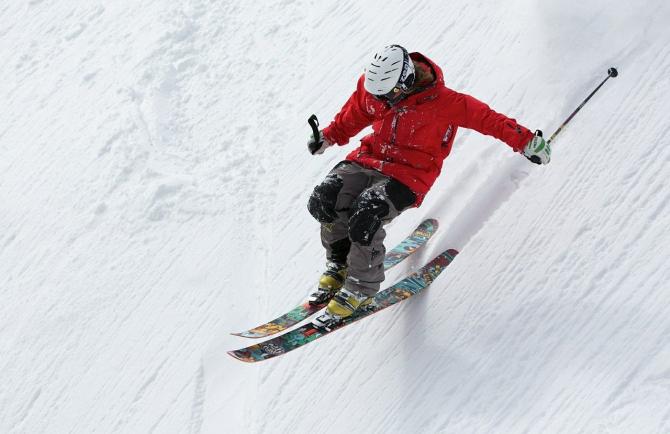 Cursă de schi din Elveția, anulată din cauza unui turist britanic / Imagine de Oleksandr Pyrohov de la Pixabay