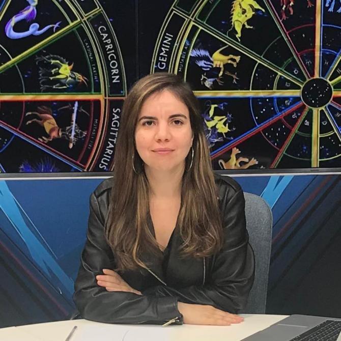 """Daniela Simulescu, astrologul DC News, le dezvăluie fanilor petroliști ce """"scrie în stele"""" despre echipa lor"""