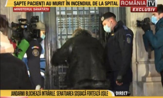 Diana Șoșoacă avea voie să intre în MAI sau Ministerul Sănătății? Bogdan Chirieac: Aflu cu surpindere. Este șocant. Foto: captură România TV