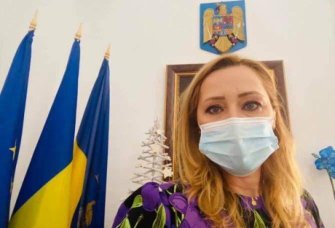 Elena Lasconi a găsit un angajat al primăriei beat la serviciu. Sursa: Facebook