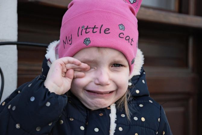 Fetiță de 2 ani, în stare gravă după un accident casnic / Imagine de Bob Dmyt de la Pixabay