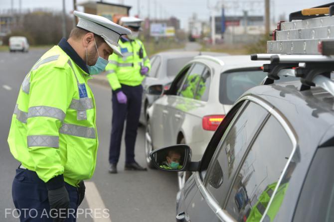 Un șofer care nu avea permis a oferit mită unui polițist. Foto cu caracter ilustrativ.