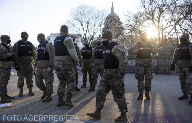 Garda Națională, în proximitatea Capitoliului SUA