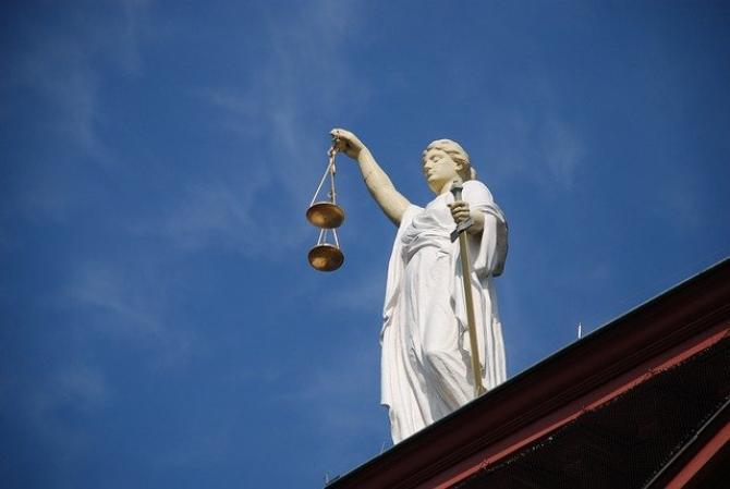 Instanța a RESPINS emiterea unui mandat de arestare pentru Victor Micula Jr.