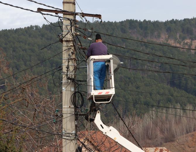 ANRE a anunțat condițiile de racordare  la rețeaua de energie electrică și gaze naturale  Foto: Crișan Andreescu