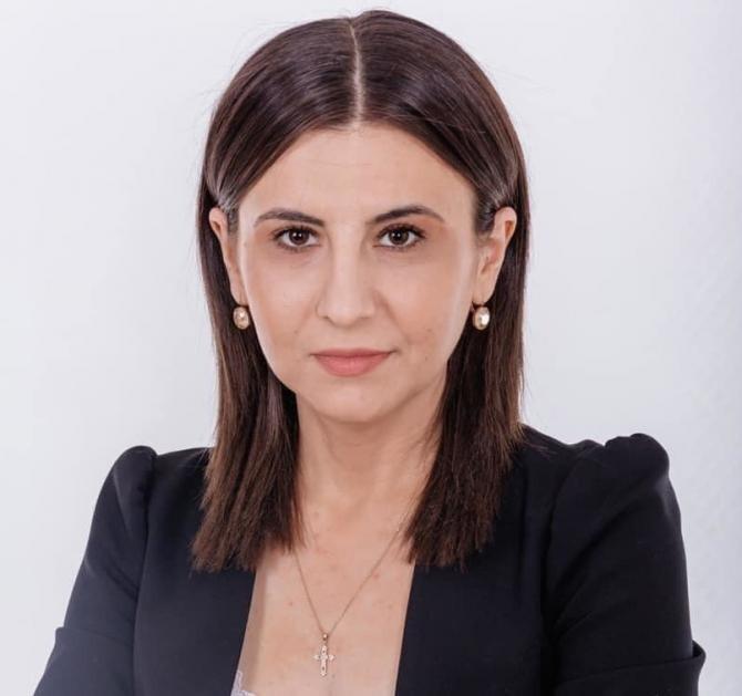 Ioana Constantin (PMP): Suntem forțați să începem să reconstruim sistemul de sănătate  /  Sursă foto: Facebook Ioana Constantin
