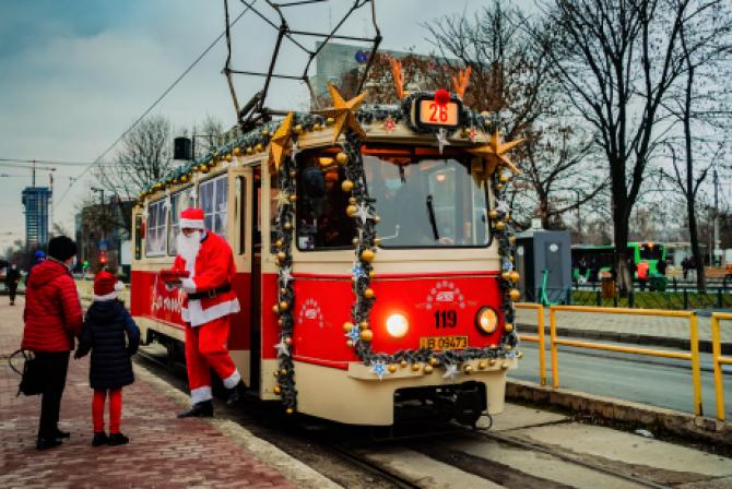 Bucureștenii rămân cu tramvaiele de epocă. STB a anulat noile achizițiile în seara de Revelion