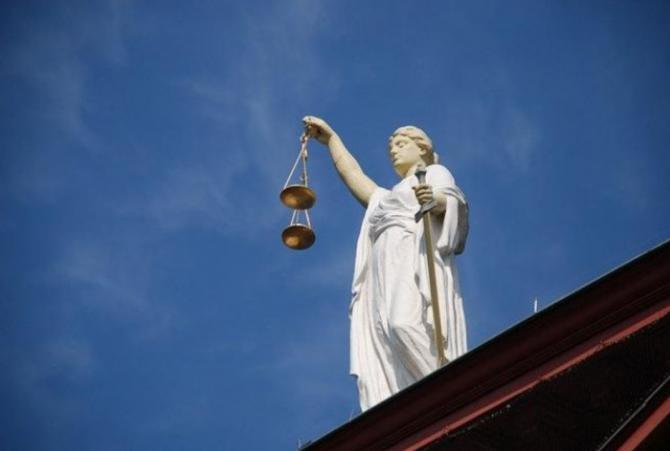 Mihai Chirica, trimis în judecată pentru abuz în serviciu / Foto Pixabay