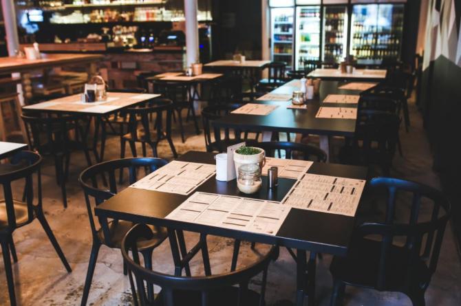Prefectura București: Eroare în decizia CMBSU. Restaurantele pot rămâne deschise până la ora 23.00 / Foto Pexels