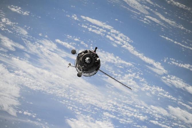 satelitii starlink invizibili