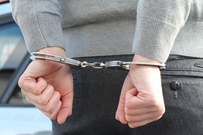 Tineri arestați la Suceava după ce au încercat să abuzeze o adolescentă / Imagine de 4711018 de la Pixabay