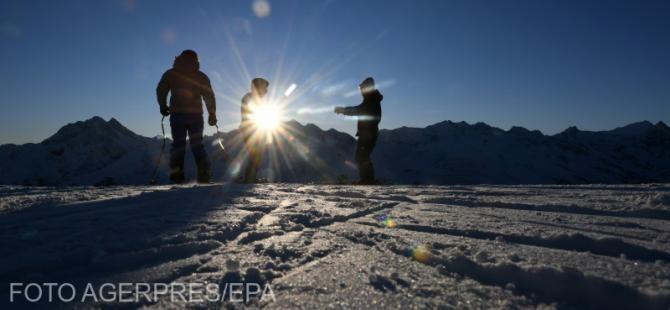 Turiști români care au încălcat măsurile de lockdown la schi în Austria, amendaţi. Foto cu caracter ilustrativ.