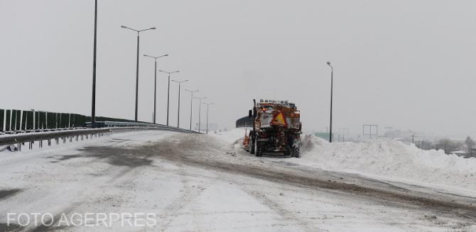 Vreme nefavorabilă pe autostrăzi. Avertizare Infotrafic. Foto cu caracter ilustrativ.