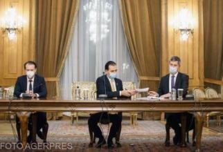 Coaliția atacă instituțiile democratice: Avocatul Poporului, CCR, sindicate