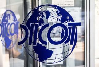 DIICOT: Fost angajat MAI, trimis în judecată pentru că ar fi şantajat afacerişti pe care îi urmărea prin GPS și îi asculta cu microfoane instalate în mașini