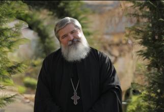 Cum și-au bătut joc deputații USR de un tezaur românesc. Părintele Vasile Ioana: M-a durut ce au făcut. Voi merge pe Muntele Athos și mă voi ruga pentru ei / video