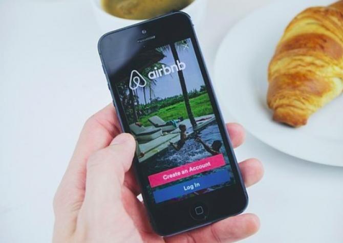 CEO-ul Airbnb se așteaptă ca turismul să revină