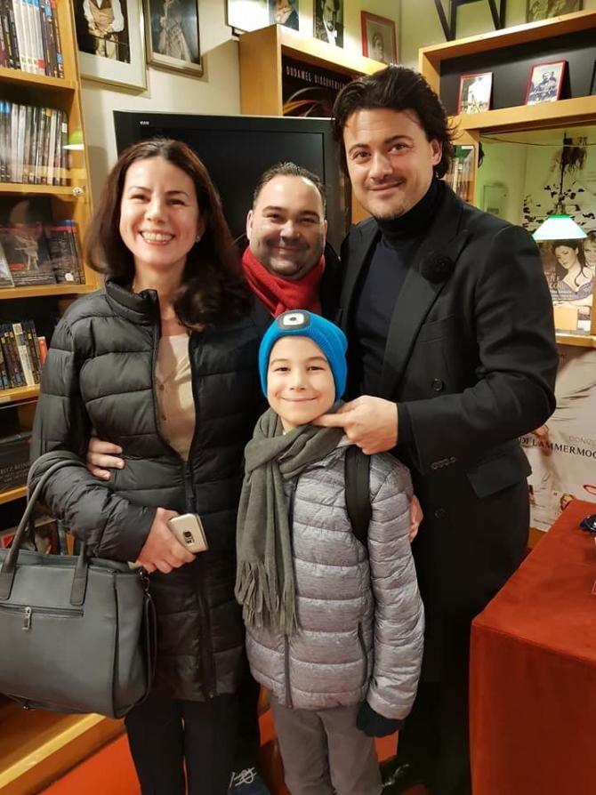 Alexandru Boscu alături de familia sa și celebrul tenor Vittorio Grigollo - Foto Radu Boscu
