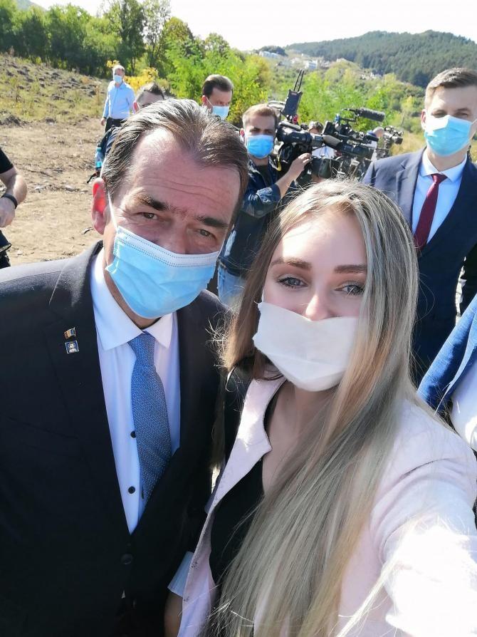Alin Tișe, președintele CJ Cluj, a cerut demisia fostei miss, proprietara unei firme de hostess, numită de PNL la conducerea unui spital - Foto Facebook Claudia Ardelean